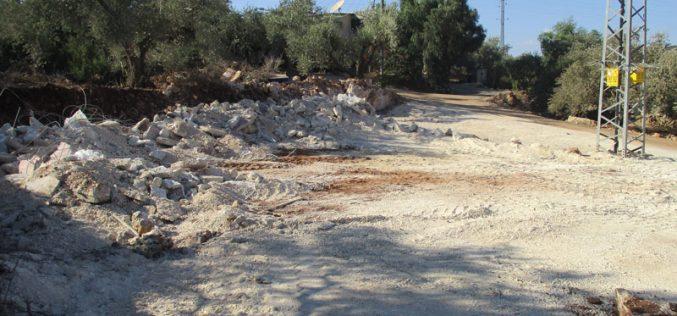 Ravaging a base of an under construction facillity in Deir Istiya/ Salfit city