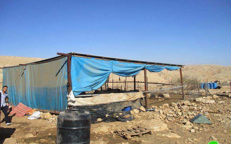 إخطارات بوقف العمل والبناء لـ 21 منشأة سكنية وزراعية في منطقة ذراع عواد / محافظة طوباس