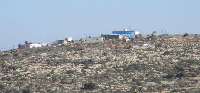 """الإعلان عن إقامة بؤرة استعمارية جديدة على أنقاض معسكر """" جبعيت"""" شرق قرية المغير / محافظة رام الله"""