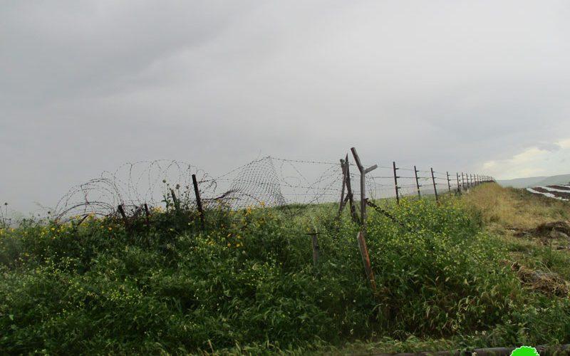 مستعمرون متطرفون يسيجون مئات الدونمات من الأراضي الرعوية في منطقة واد المالح/ محافظة طوباس