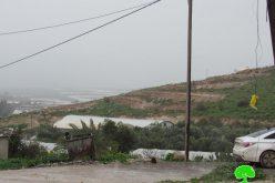الشروع بتجريف أراضي زراعية في قرية كردلة تمهيداً لإنشاء خط مائي جديد لخدمة المستعمرين / محافظة طوباس
