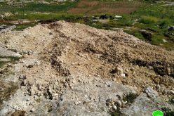"""الاحتلال يطمر بئر مياه في """" أم نير """" جنوب يطا / محافظة الخليل"""