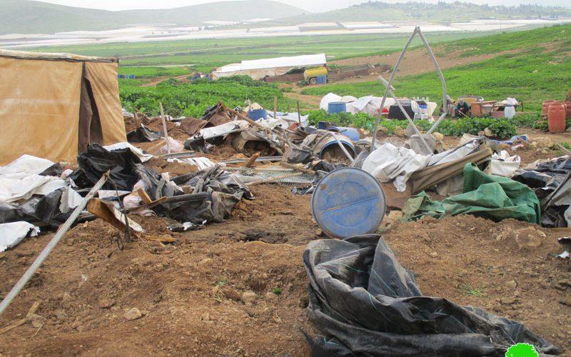 الاحتلال الإسرائيلي يهدم مساكن وحظائر للماشية في خربة الرأس الأحمر / محافظة طوباس
