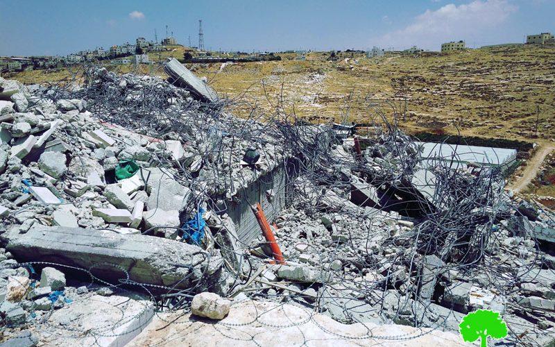 """الاحتلال يهدم مبنى وبئراً للمياه في""""خلة الشرباتي"""" جنوب الخليل"""