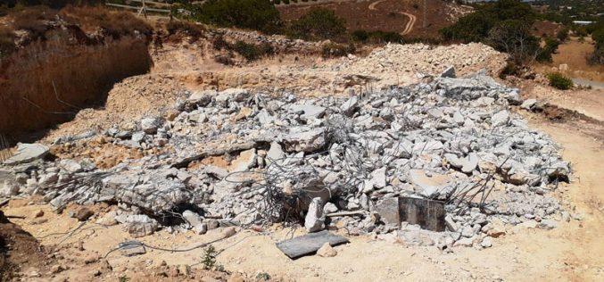 الاحتلال يهدم منزلاً قيد الإنشاء ببلدة بيت أمر شمال الخليل