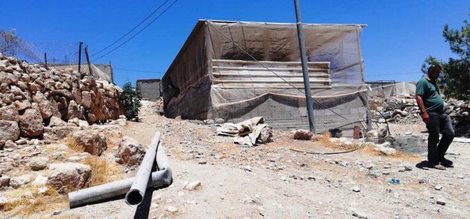 في سابقة خطيرة إخطار بإزالة مبنى خلال 96 ساعة في خربة غوين جنوب السموع / محافظة الخليل