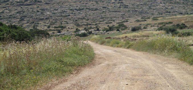 إخطار بوقف العمل في طريق زراعي في خربة يرزة  شرق طوباس