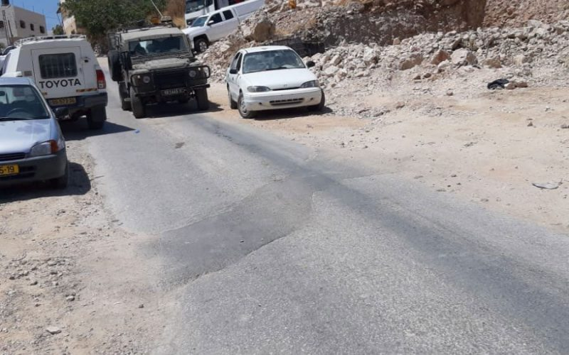 The Occupation Authorities Demolish and Confiscate a Facility in Hebron