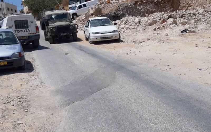 الاحتلال يهدم ويصادر منشأة لتصليح المركبات في منطقة الفحص جنوب الخليل