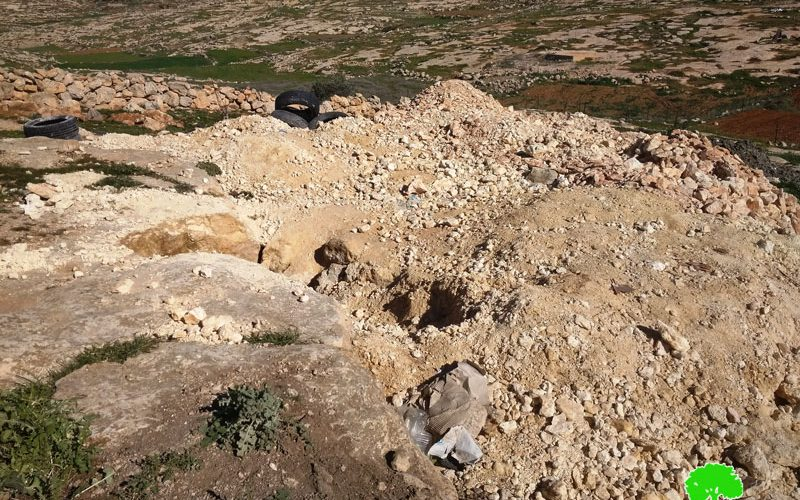 """The Occupation Force a Farmer to Dump a Cistern in """"Umm Near"""" /Hebron Governorate"""