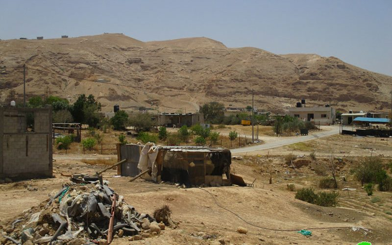 Under security claims , IOF close postures in An-Nuwa'ima / Jericho governorate