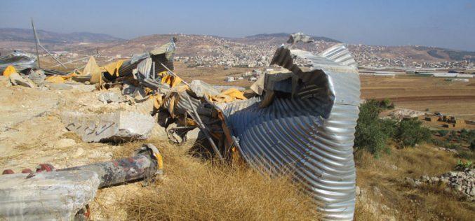 هدم خزان للمياه في خربة عينون / محافظة طوباس