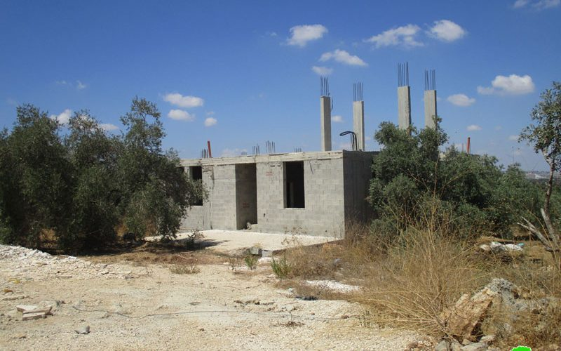 Halt of work notices on 4 houses in Jal'ud village / East Qalqilya