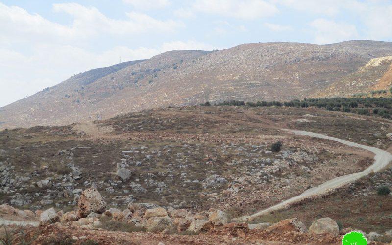 الاحتلال الإسرائيلي يوقف العمل بشق طريق زراعي في بلدة سنجل / محافظة رام الله