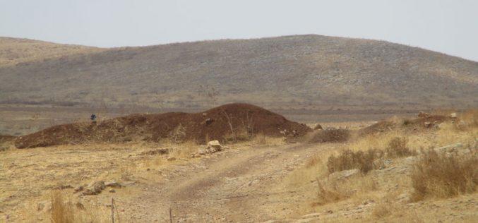 إغلاق الطريق الزراعي المؤدي الى خربة الحديدية / محافظة طوباس