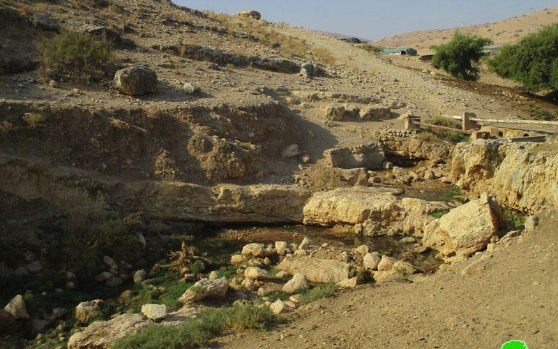 """مستعمرو """" مسكيوت"""" يستولون على نبع عين حلوة في الأغوار الشمالية / محافظة طوباس"""