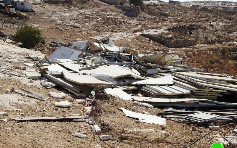 The Israeli occupation demolish residences and a barn in Al-Mafqara village – East Yata / Hebron governorate