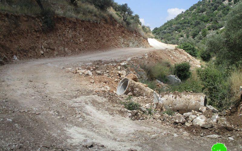 تدمير جزء من طريق زراعي شمال قرية دير غسانة / محافظة رام الله