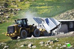 الاحتلال يخطر بوقف العمل في مسكن مواطنة في الطوبا بمسافر يطا