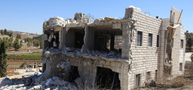 The Israeli occupation demolish a house Al-Hijra village / south Hebron