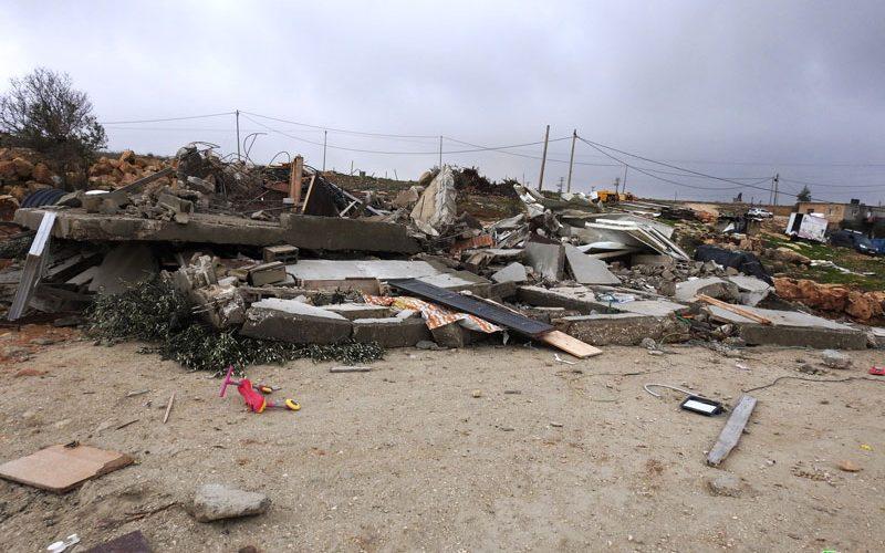 Demolishing a house in Ar-Rafai'a east Yatta / Hebron governorate