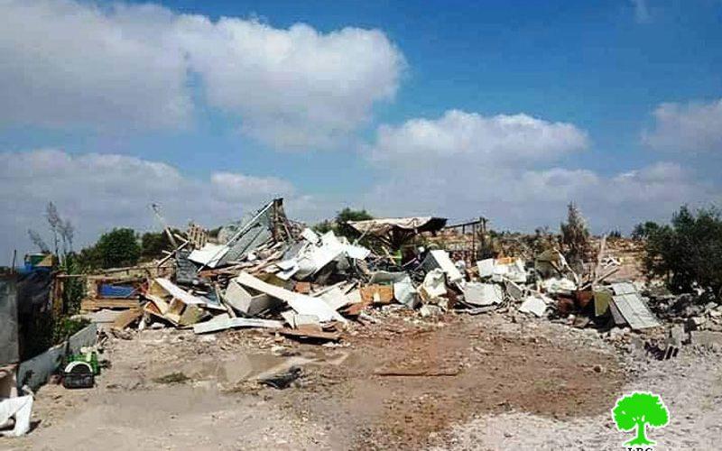 """الاحتلال يهدم غرفة زراعية في"""" خربة سلامة"""" شرق بلدة ترقوميا بمحافظة الخليل"""