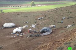 هدم ومصادرة خيمتين للسكن شرق منطقة عينون في محافظة طوباس