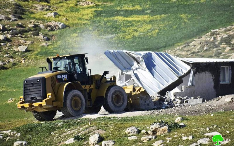 The Israeli Occupation notifiesa house in Tuba / Masafer Yatta