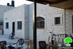 بذريعة الأمن … إخطار بهدم مسكن عائلة الأسير احمد جمال قمبع في مدينة جنين