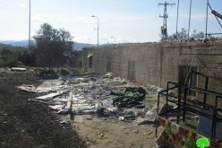 هدم بركس ومصادرة كافة محتوياته كامل محتوياته في قرية رأس كركر / محافظة رام الله