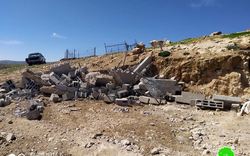 Demolishing houses and agricultural facilities in Masafer Yatta / South Hebron
