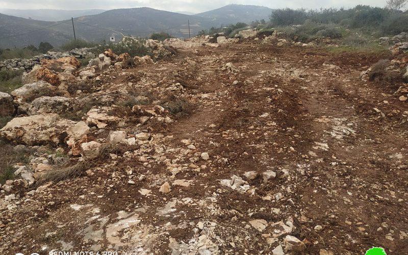 تجريف أراضي زراعية في قرية إسكاكا بمحافظة سلفيت