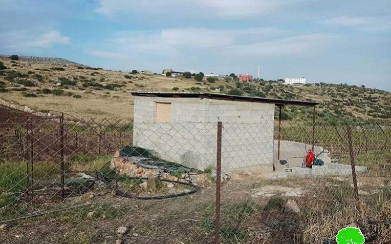 الانتهاكات الإسرائيلية في ظل كورونا:إخطار بهدم بئر لجمع المياه وغرفة زراعية في قرية العقبة / محافظة طوباس