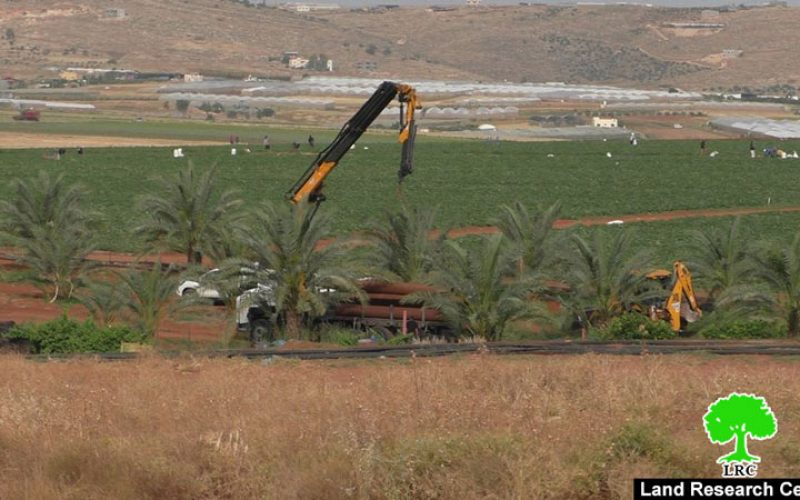 هدم منشآت سكنية وزراعية ومصادرة خطوط مائية في منطقة سهل البقيعة / محافظة طوباس