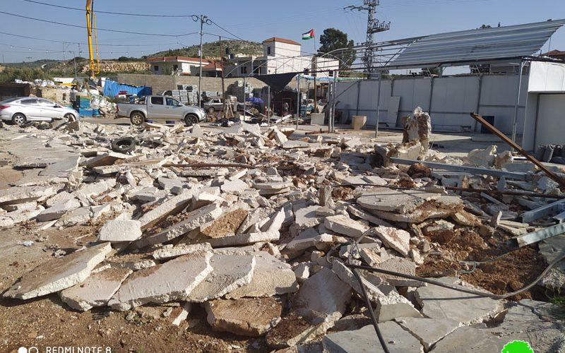 Israeli Violations in the time of Corona: Demolition of a car wash in Al-Lubban Al-Gharbi / North Ramallah