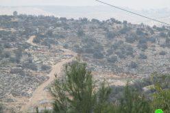 الاحتلال الإسرائيلي يمنع تأهيل أراضي وشق طرق في قرية المغير محافظة رام الله