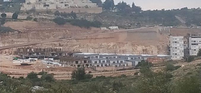 """الشروع ببناء حي استعماري جديد في مستعمرة """" الكانا"""" غرب سلفيت"""