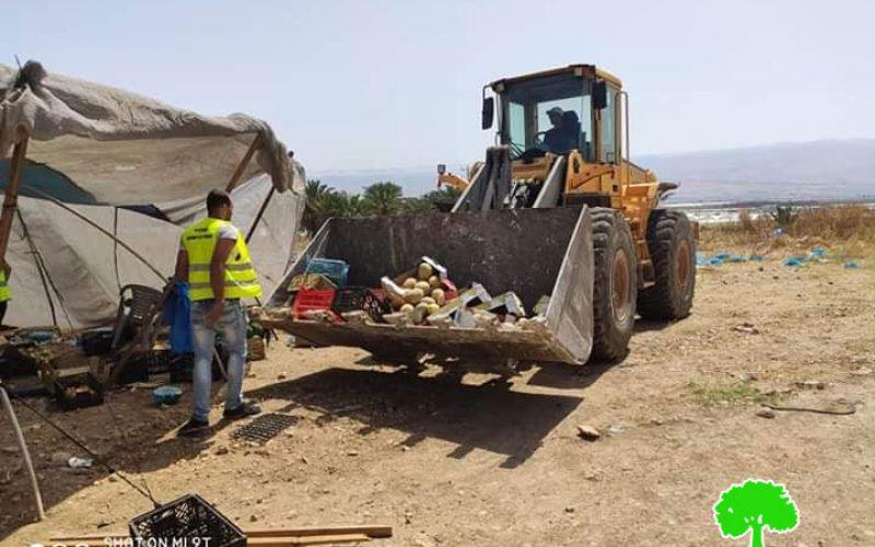 """هدم 6 نقاط بيع متنقلة """"بسطات"""" لبيع الخضار في الأغوار الشمالية / محافظة طوباس"""