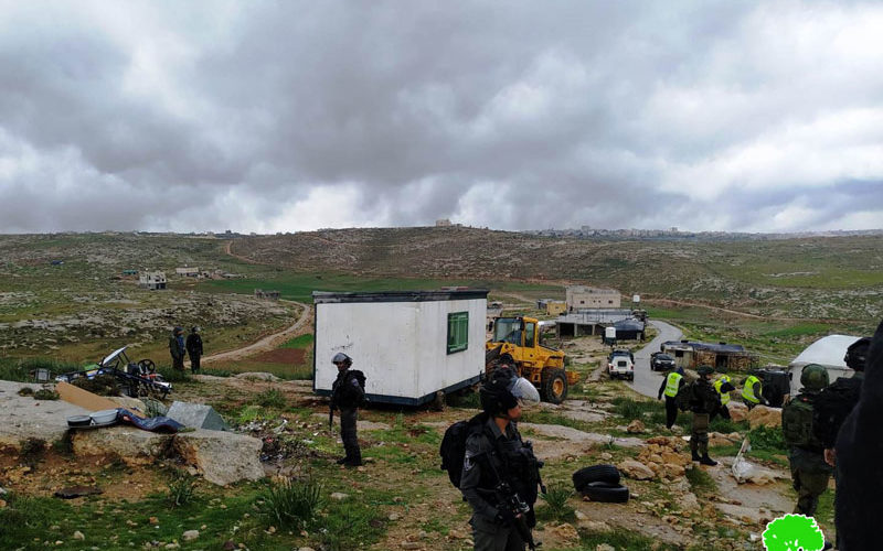 The Israeli Occupation confiscates a classroom from Susiya school – Yatta / South Hebron