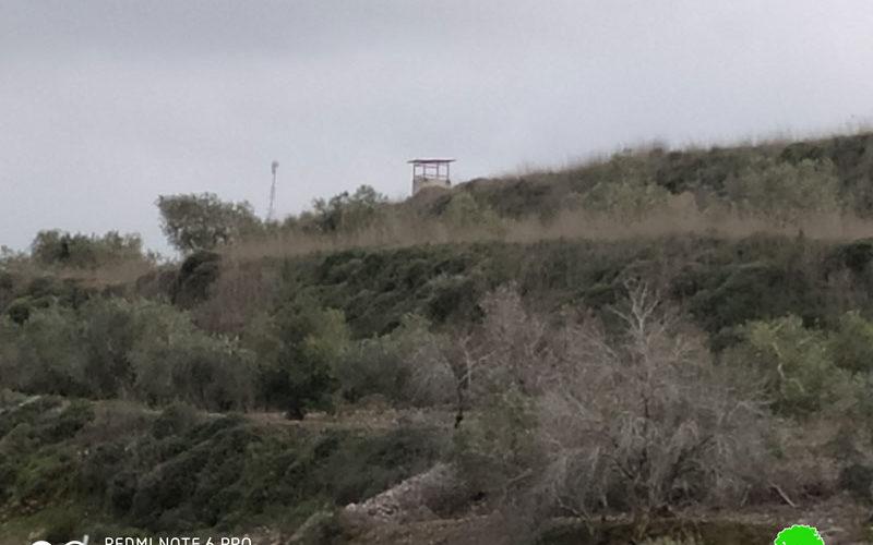 """وضع نقاط عسكرية للمراقبة لصالح البؤرة الاستعمارية """" حفات جلعاد"""" على حساب أراضي قرية جيت / محافظة قلقيلية"""