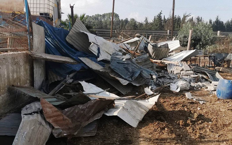 هدم منشآت زراعية وتهديد بهدم منزلاً خلال 96 ساعة بمخيم العروب شمال الخليل