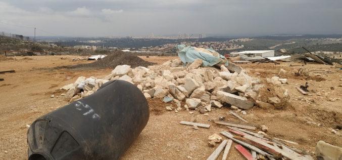 Demolishing a facility in Ni'lin / Ramallah governorate