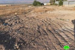 إغلاق فتحات مائية عشوائية في قرية بردلة بالأغوار الشمالية