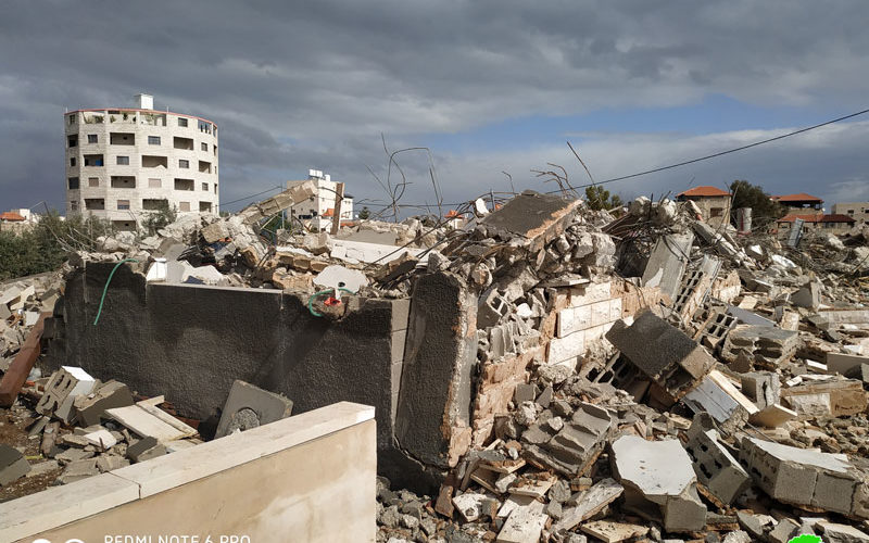 Military notices target several houses in Qibya/ Ramallah governorate