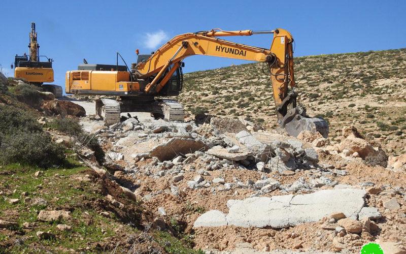الاحتلال يجرف طريقاً زراعياً في مسافر يطا جنوب الخليل