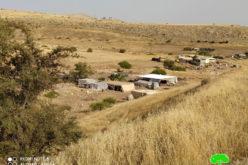 بحجة تدمير الآثار الاحتلال يخطر بإزالة منشآت سكنية وزراعية في قرية رأس العوجا / محافظة أريحا