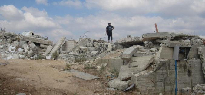 هدم صالة أفراح في قرية جبارة بمحافظة طولكرم