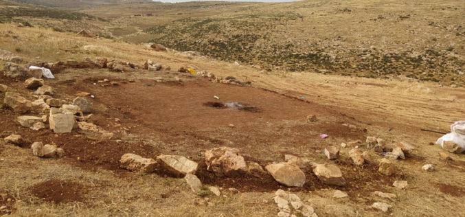 هدم ومصادرة مسكن وحظيرة أغنام شرق قرية الطيبة / محافظة رام الله