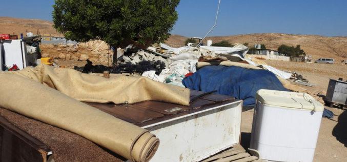 الاحتلال يهدم منشآت سكنية وزراعية في الفخيت والركيز بمسافر يطا جنوب الخليل