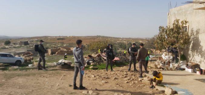 الاحتلال يهدم ويصادر منشأة زراعية في السيميا غرب السموع بمحافظة الخليل